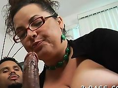 Fat slut gets her clean hairless pussy nailed on camera