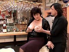 Brunette BBW-Milf fucked in Bar