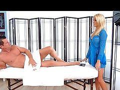 Alexis Monroe massage ass crack job