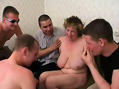 Big tit mamma tips the movers.