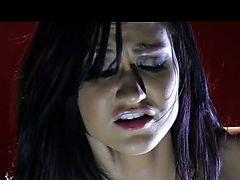 Sybian hottie Kendall Karson