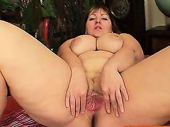 Chubby blond Milf Wanda got huge boobies