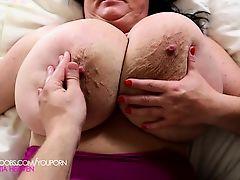 Sabrina Meloni on back jiggle show