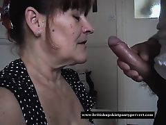 Mature wife takes a huge oral cream pied