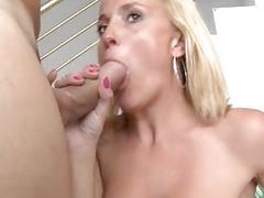 Samantha is a horny and sexy mature who wants sucking to the last