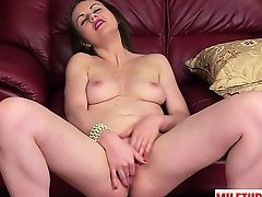 Hot mature sex and cumshot